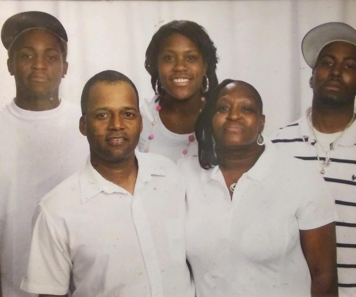 Arizona Family Seeks Compassionate Release Of Incarcerated Man Stricken With MS, COVID-19